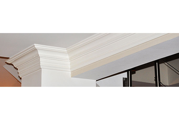 Corniches tronqu es la moulure bordelaise for Corniche bois plafond